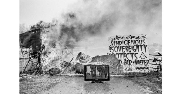 """""""La revolución no será televisada"""". Hasta lo último. Campamento Oceti Sakowin, Cannon Ball, Dakota del Norte, febrero, 2017. Foto: Josué Rivas"""