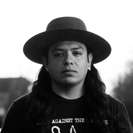 El fotógrafo Josué Rivas, fundador del Proyecto Standing Strong
