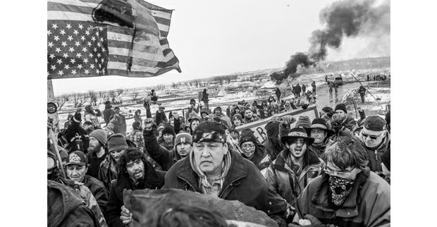 La gente abandona pacíficamente el campamento Oceti Sakowin. Cannon Ball, Dakota del Norte, febrero, 2017. Foto: Josué Rivas