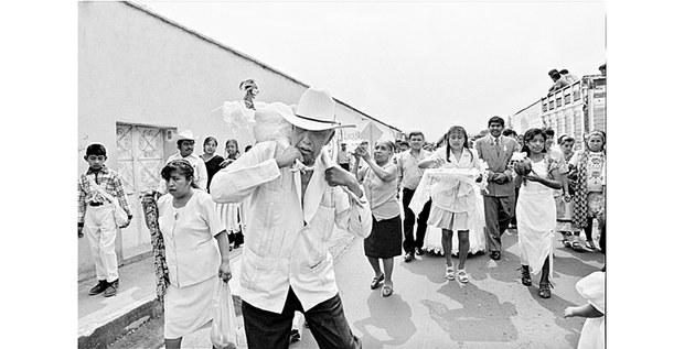 """De la serie """"Pueblo de Emiliano"""", Morelos, 1992-2000. Foto: Omar Meneses"""