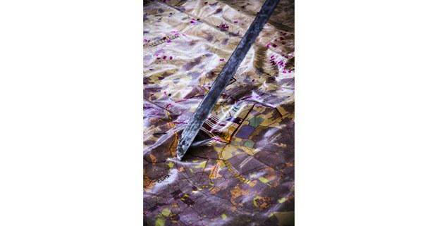 El machete de Marta Pérez sobre el mapa. San Salvador Atenco, Estado de México, 24 de noviembre de 2018. Fotos: Tania Barberán