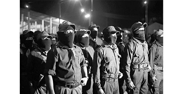 Milicianos zapatistas, La Realidad, 1 de enero de 2019. Foto: Cristian Rodríguez Pinto (Chiapas Paralelo)