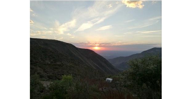 Puesta de sol en Wirikuta. Real de Catorce, San Luis Potosí. Foto: Ojarasca