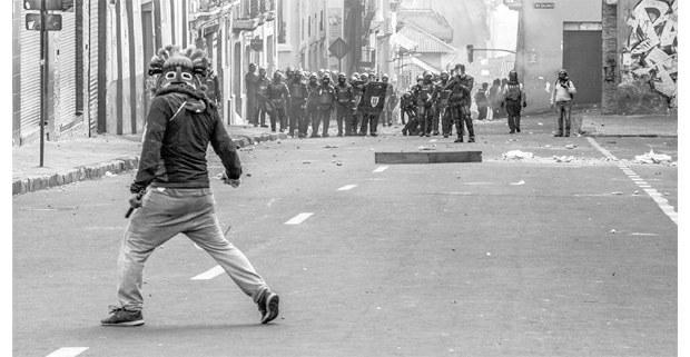 Protesta en las calles de Quito, Ecuador, 2019. Foto: Alejandro Ramírez Anderson