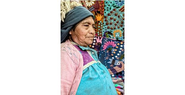 Artesana de San Juan Chamula, Chiapas. Foto: Mario Olarte