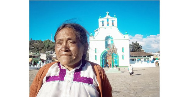 En la plaza central de San Juan Chamula, Chiapas, Chiapas. Foto: Mario Olarte